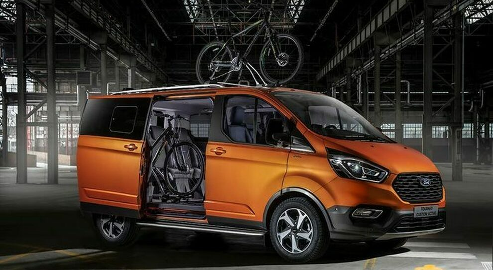 Ford Tourneo Custom in versione Active