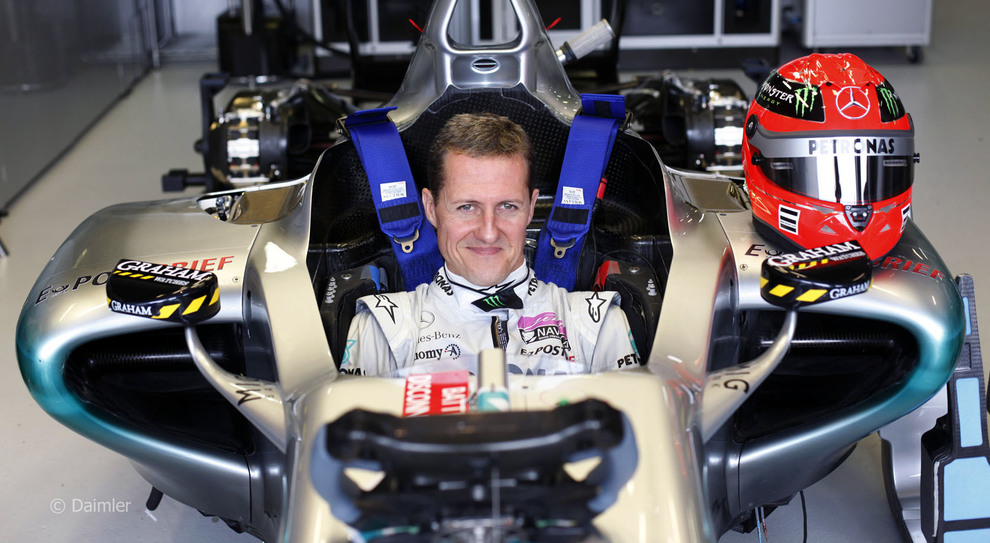 Michael Schumacher a bordo di una Mercedes F1 nel 2011