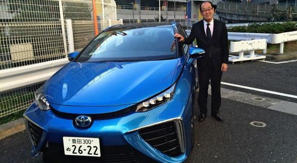 Yoshikazu Tanaka è Chief Engineer Mid-size Vehicle Company di Toyota Motor Corporation, ma è soprattutto il padre della Mirai